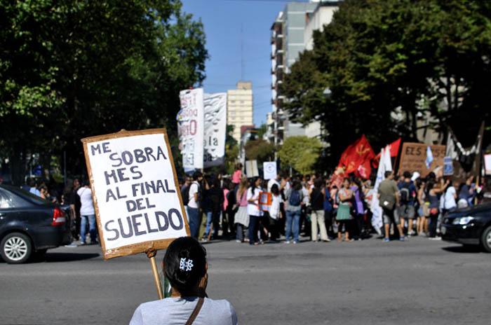 Conflicto docente: trabajadores piden asambleas en escuelas