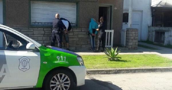Detuvieron a dos adolescentes mientras robaban una casa
