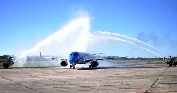 Con el primer vuelo, inauguraron el Corredor Atlántico