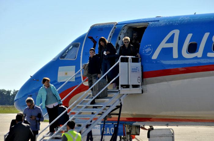 Creció casi un 100% el número de pasajeros que llega en avión