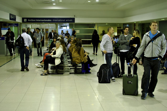 De Mar del Plata en avión a Chile, Uruguay, Paraguay, Bolivia y Brasil