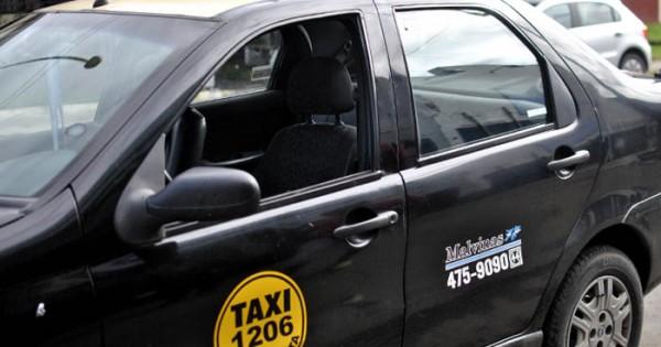 Héroes al volante: la cooperativa de Taxis Islas Malvinas