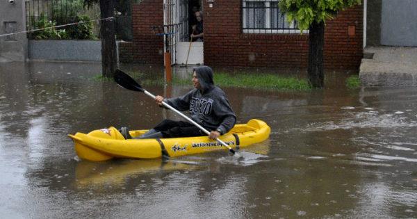 Hay 160 evacuados y cayeron 200 milímetros en 48 horas
