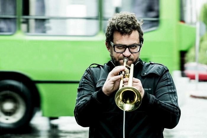 Gillespi: música y humor a beneficio de los que menos tienen