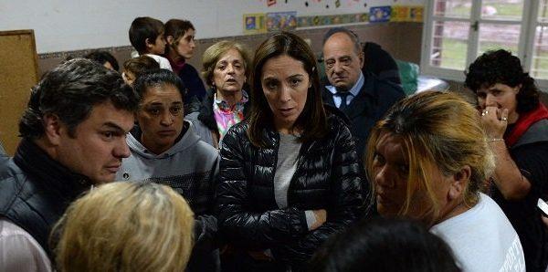 Temporal: Vidal trajo colchones y alimentos para los afectados