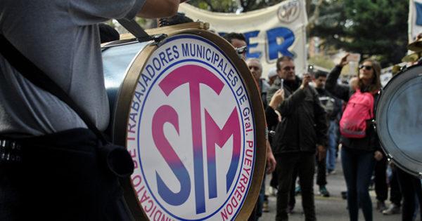 Municipales: aún no cobraron y anuncian retención de tareas