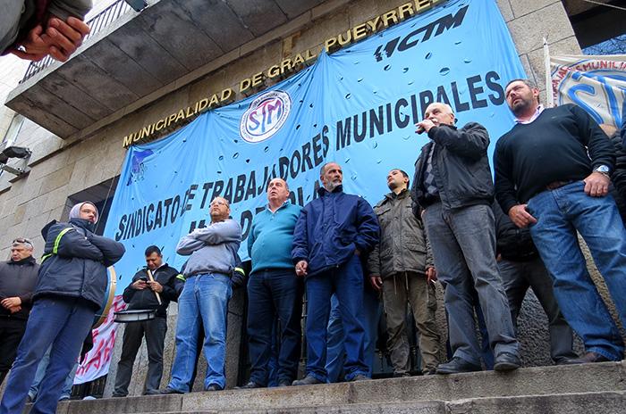 El gobierno, contra el Sindicato de Trabajadores Municipales