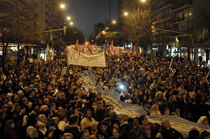 Miles de personas tomaron las calles para repudiar el 2×1