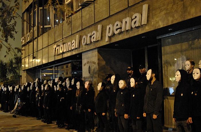 MARCHA NO AL 2X1 LESA HUMANIDAD 09