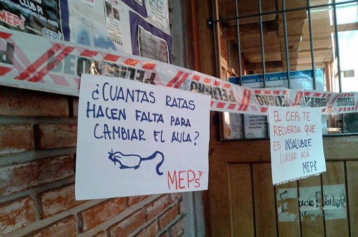 """Denuncian """"nefastas condiciones"""" en la Facultad de Psicología"""
