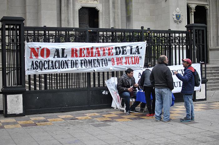 Villa 9 de Julio: siguen juntando fondos para evitar el remate