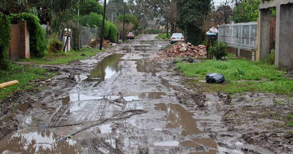Jardín Stella Maris: los vecinos, otra vez ahogados en el barro