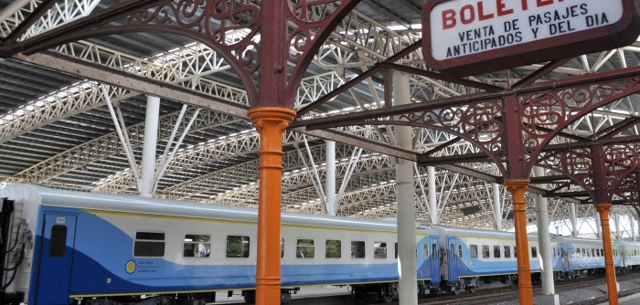 Tren: sin fecha de regreso, aumentaron el pasaje un 40%