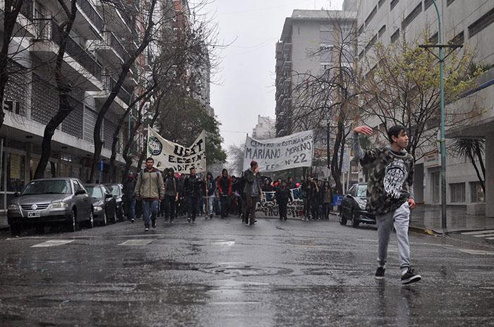 Protestas y marcha de estudiantes a la espera de respuestas