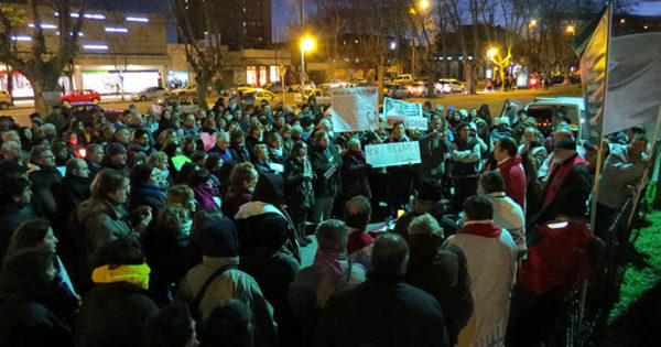 Morir en la calle: una misa al aire libre con reclamos al gobierno