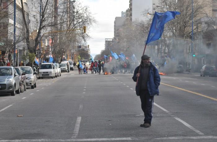 PROTESTA PUERTO TRABAJADORES MUNICIPALIDAD (4)