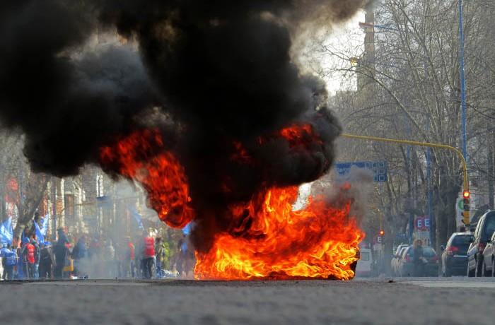 PROTESTA PUERTO TRABAJADORES MUNICIPALIDAD (8)