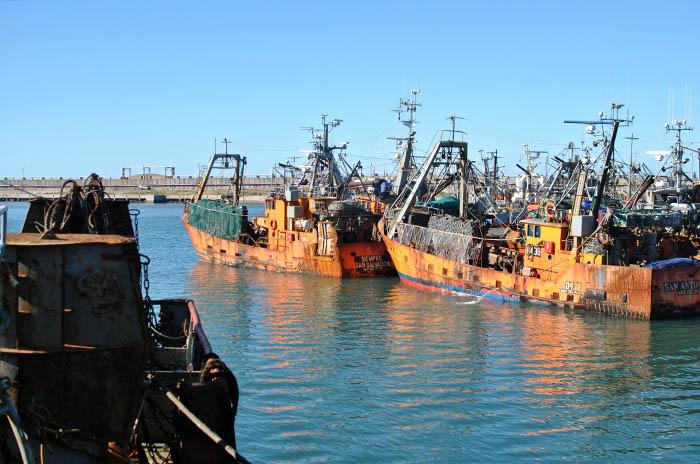 Se hundió un buque marplatense y rescataron a sus ocho tripulantes