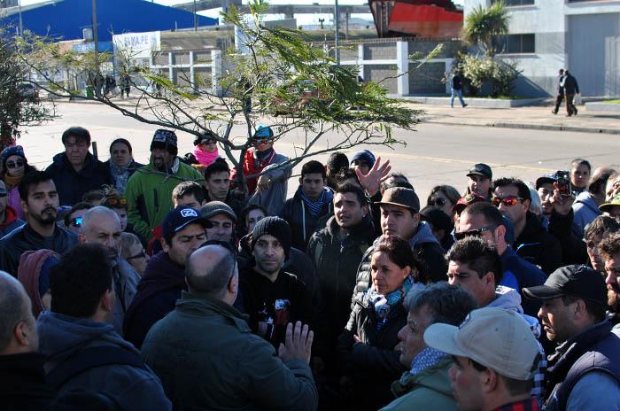 PUERTO PREFECTURA PROTESTA BUQUE REPUNTE (13)