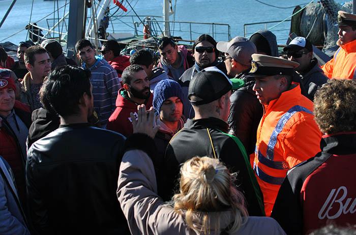 Trabajadores pidieron que no salgan barcos en señal de duelo