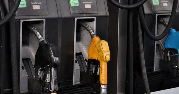 Desde este domingo, aumentan la nafta y el gasoil