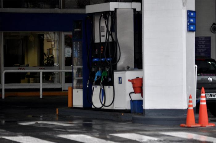 YPF aumentó el precio de la nafta un 4,5% en promedio