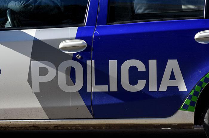 Detuvieron a un policía acusado de vender droga