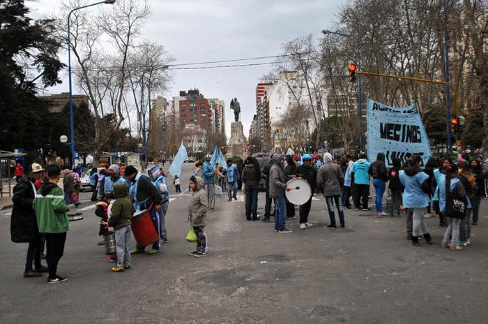 Otra protesta por falta de trabajo frente al Municipio
