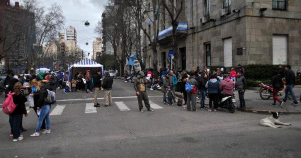 Tras dos días de protesta se levantó el acampe en el Municipio