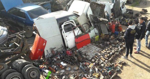 Desbaratan desarmadero de autos en Camet: secuestran 30 vehículos y 460 autopartes