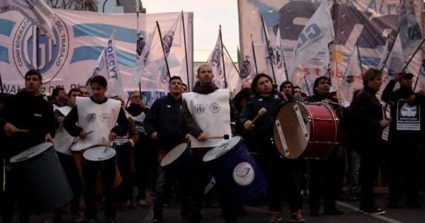 La CGT marcha con la adhesión de numerosos sectores