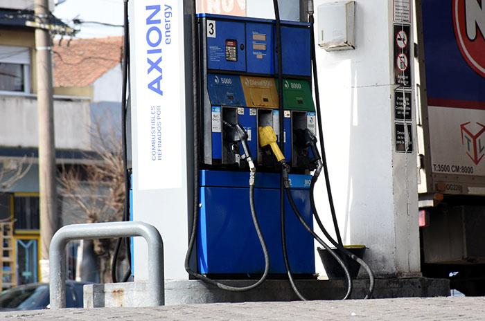 YPF dispuso una nueva suba de combustibles del 4,5%