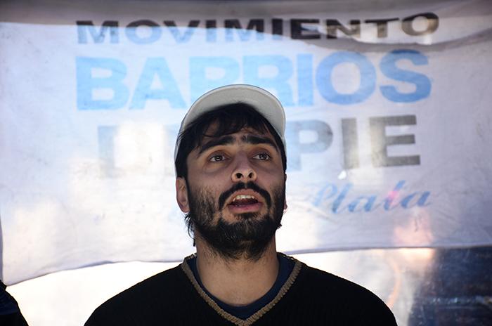 RODRIGO HERNANDEZ BARRIOS DE PIE