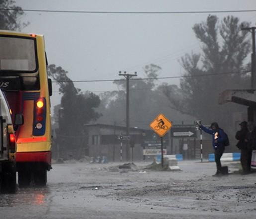 Hasta el domingo a la tarde, lluvia y fuertes vientos en la ciudad