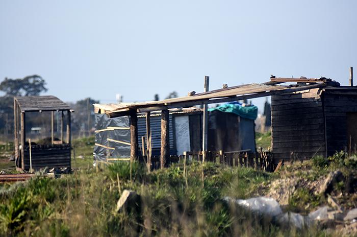 """Usurpaciones en Las Heras: """"Desarrollo Social da materiales"""""""