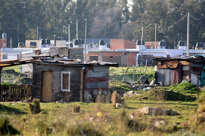 Usurpación en Las Heras: ¿el Municipio aportó materiales?