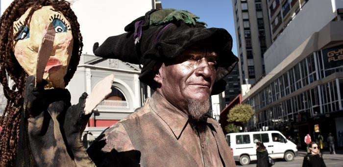 """Arte callejero: """"Esta gestión le sacó el lugar a los artistas"""""""