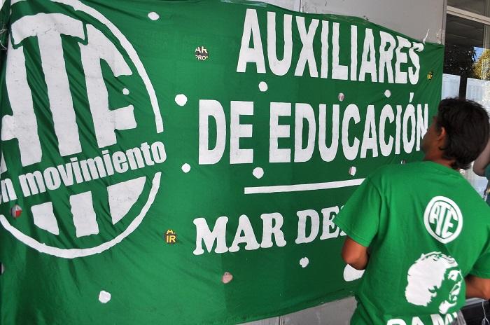 Trabajadores de Educación reclaman nombramientos