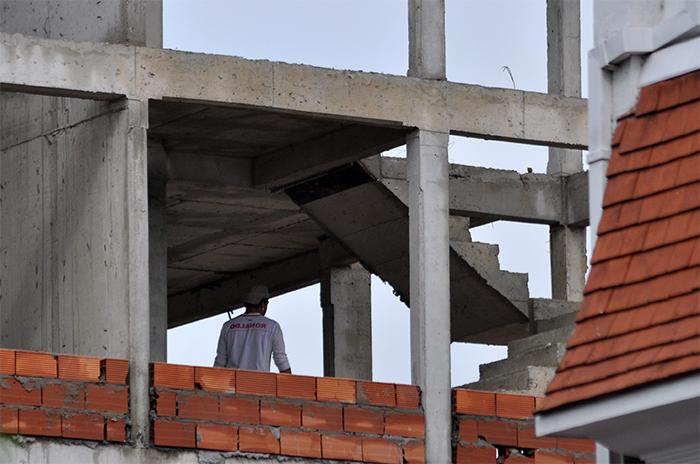 Obrero murió al caer del octavo piso de un edificio en construcción