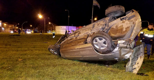 Murió un policía en un accidente en Champagnat y Colón