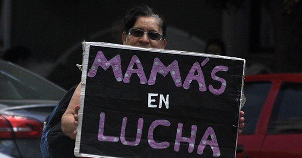 """Mamás en lucha: """"Nos hicieron firmar un comodato muy trucho"""""""