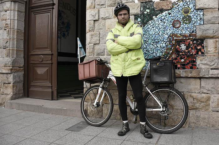 MAURO DOCENTE EN BICICLETA (21)