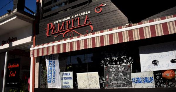 """Sin soluciones, sigue la toma en el restaurante """"Pampita"""""""