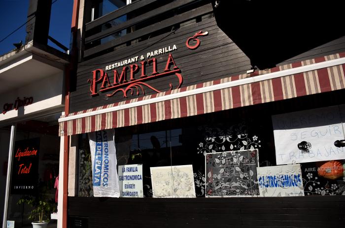 """Pampita: """"O una indemnización digna o fuentes de trabajo"""""""