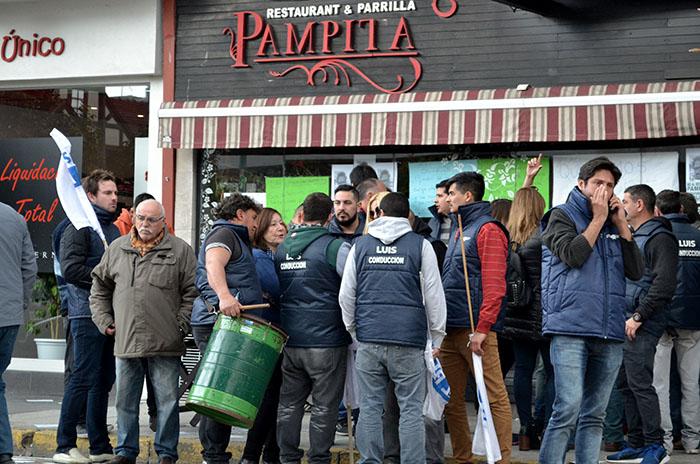 Toma de Pampita: suspendieron la orden de desalojo