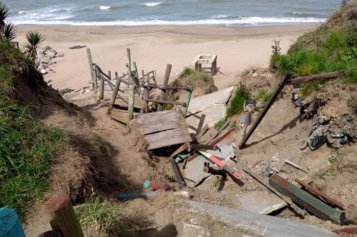 Playas públicas: otra bajada destruida y más reclamos en el sur