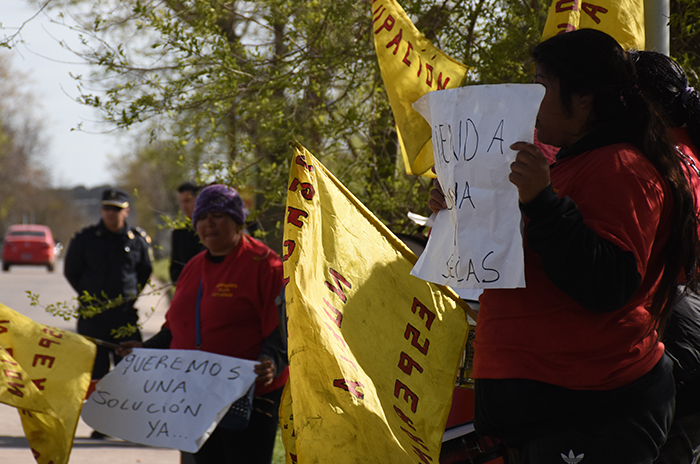 Acampe en Desarrollo Social: protesta en el Parque Industrial