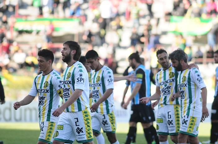 Aldosivi perdió el partido y la punta con Almagro