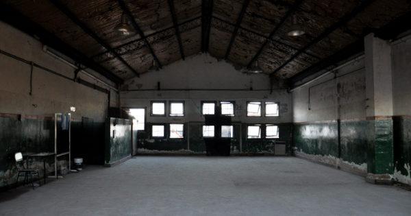 Insólitas demoras para arreglar una escuela cerrada hace un año