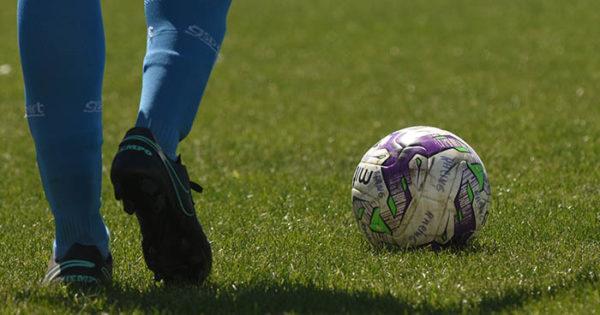 Fútbol femenino solidario en el Náutico
